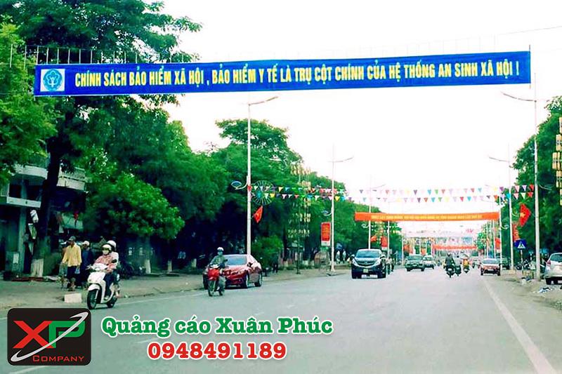 Treo băng rôn – cờ phướn quảng cáo trọn gói giá rẻ