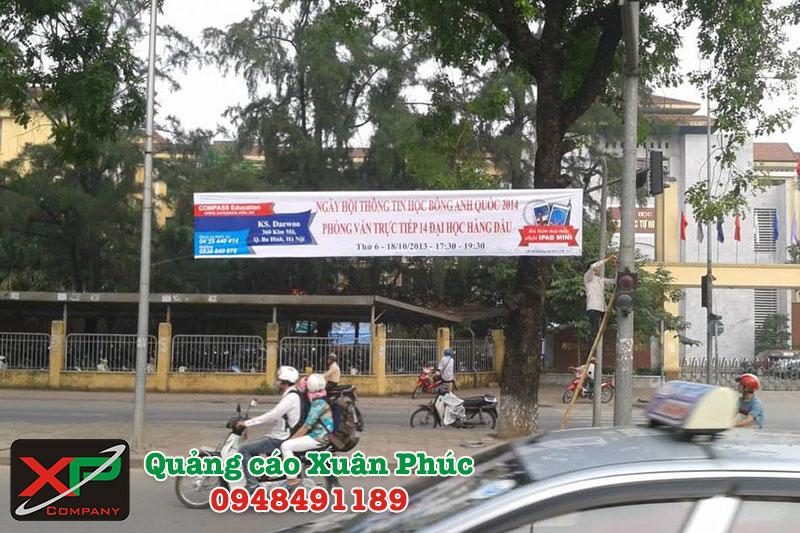 Dịch vụ treo băng rôn tại Hà Nội